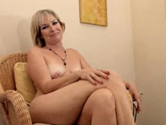 realy-sexy-mature-stefanie-from-1fuckdatecom