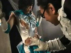 super-heroine-loses-her-battle-and-gets-her-clothes-ripped