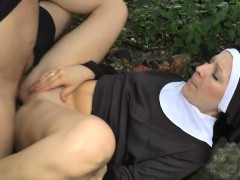 amanda-from-1fuckdatecom-loves-to-film-with-partners