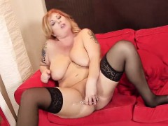 hot-czech-nympho-spreads-her-wet-cunt-to-the-special