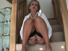 Cheating English Mature Lady Sonia Reveals Her Big Naturals