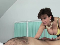 unfaithful english mature lady sonia shows off her big tits
