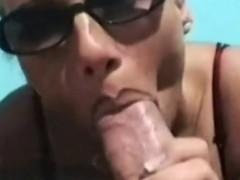 Deutsche Milf Schlampe Beim Blowjob