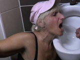 Mature slut mumsy gets banged on a Deena