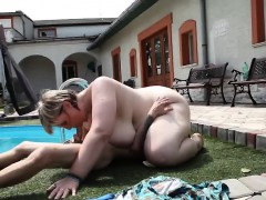 pool-guy-and-the-plump-babe-in-face-sitting-play-time