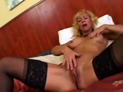 bodybuilder-mature-victoria-riding-boner-and-doggy