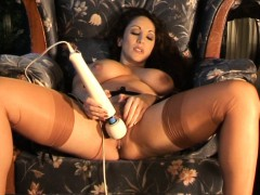 sultry-milf-masturbates-to-trickle-squirt-orgasm