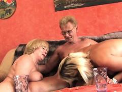Жесткое порно Групповуха Блондинки В чулках и колготках фото 3
