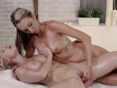 relaxxxed-oily-lesbian-pussy-massage-with-czech-babes
