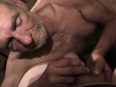 mature-amateur-robert-beating-off