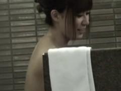 japanese-lesbians-bathing