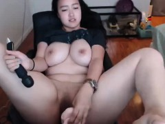 curvy asian webcam woman masturbating