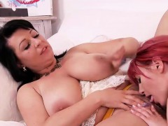 Two Busty Hotties Lick Each Other Is Muffs