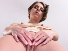 peculiar-czech-nympho-stretches-her-narrowed-vagina-to-the-u