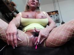 gorgeus-big-boobs-slut-with-wonderful-body-teasing