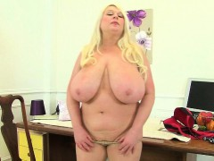 office-milfs-sammy-sanders-and-lacey-starr-from-the-uk