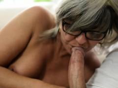Mature Granny Gets Oral