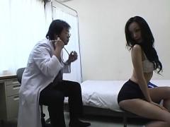 Subtitled CMNF Japanese schoolgirls group medical exam