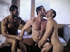 tattoo-gay-cuckold-with-creampie