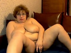 mega-bra-mature-on-webcam