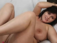 pretty-good-curvy-masturbating-for-you