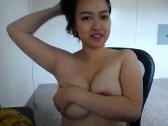 amateur-asian-flashing-her-boobs