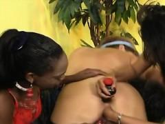 Лесбиянки Мастурбация Межрассовый секс Любительское фото 16
