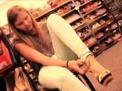 Melissa Smile Petite Perfect Girl Blonde