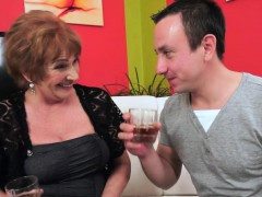 Buxom grandmother cumshot – Videos XXX Incesto