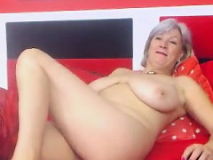 busty-granny-linda-50-years-webcam-solo