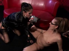 lesbian gets cheerful by one more woman with large sextoy