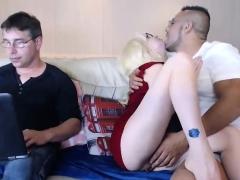 webcam-hot-blonde-in-nasty-threesome