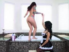 Зрелые женщины Жесткое порно Большие сиськи В душе, ванной фото 5