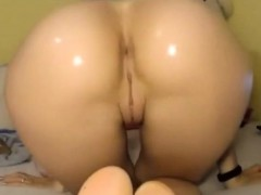 Teen With Big Oiled Ass Bouncing