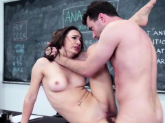 Real Schoolgirl Squirting While Fucking