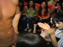 Sexy Stripper Hunks Are Getting Moist Blowbang From Chicks