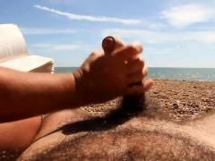 amateur beach handjob WWW.ONSEXO.COM