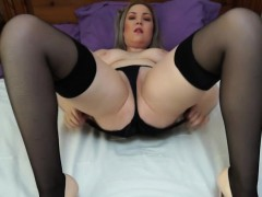 Hot European Mom Loves Playing In Bed