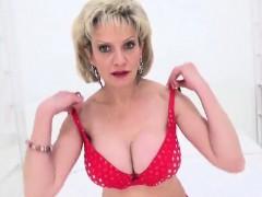 Adulterous Uk Milf Lady Sonia Flaunts Her Oversized Jugs49sx