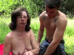 Жесткое порно Брюнетки На публике Волосатые фото 3