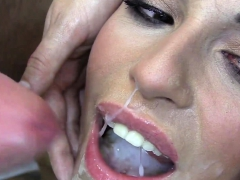 Красоточки Брюнетки Кончают на лицо Сам трахаю, сам снимаю (POV) фото 11