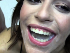 Красоточки Брюнетки Кончают на лицо Сам трахаю, сам снимаю (POV) фото 12