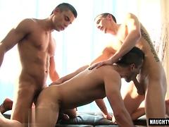 big-dick-gay-threesome-and-cumshot