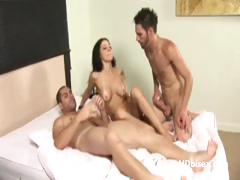 mouth-and-pussy-fucking-bi-party