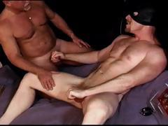 cbt-i-make-muscle-hunk-squeeze-his-own-balls-as-i-bash-them