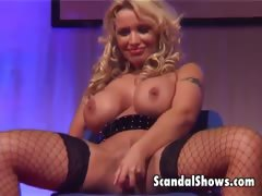 blonde-girl-dances-and-spreads-her-legs