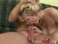 amateur-milf-sucking-pornstar-dick