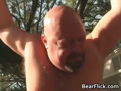 big-gay-bears-bone-and-suck-cock-in-the-part1