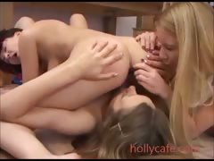 lesbians-are-great-at-making-holes-feel-good-rimjob
