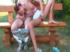 russian-teen-couple-penetrate-on-a-bench